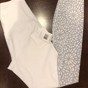 NWT beyond Yoga full length leggings size s